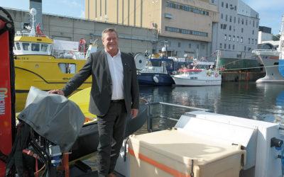Fiskeriministeren på båt