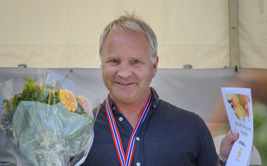 Isfjord Norway vant to gull i NM i røkt og gravet laks og ørret.