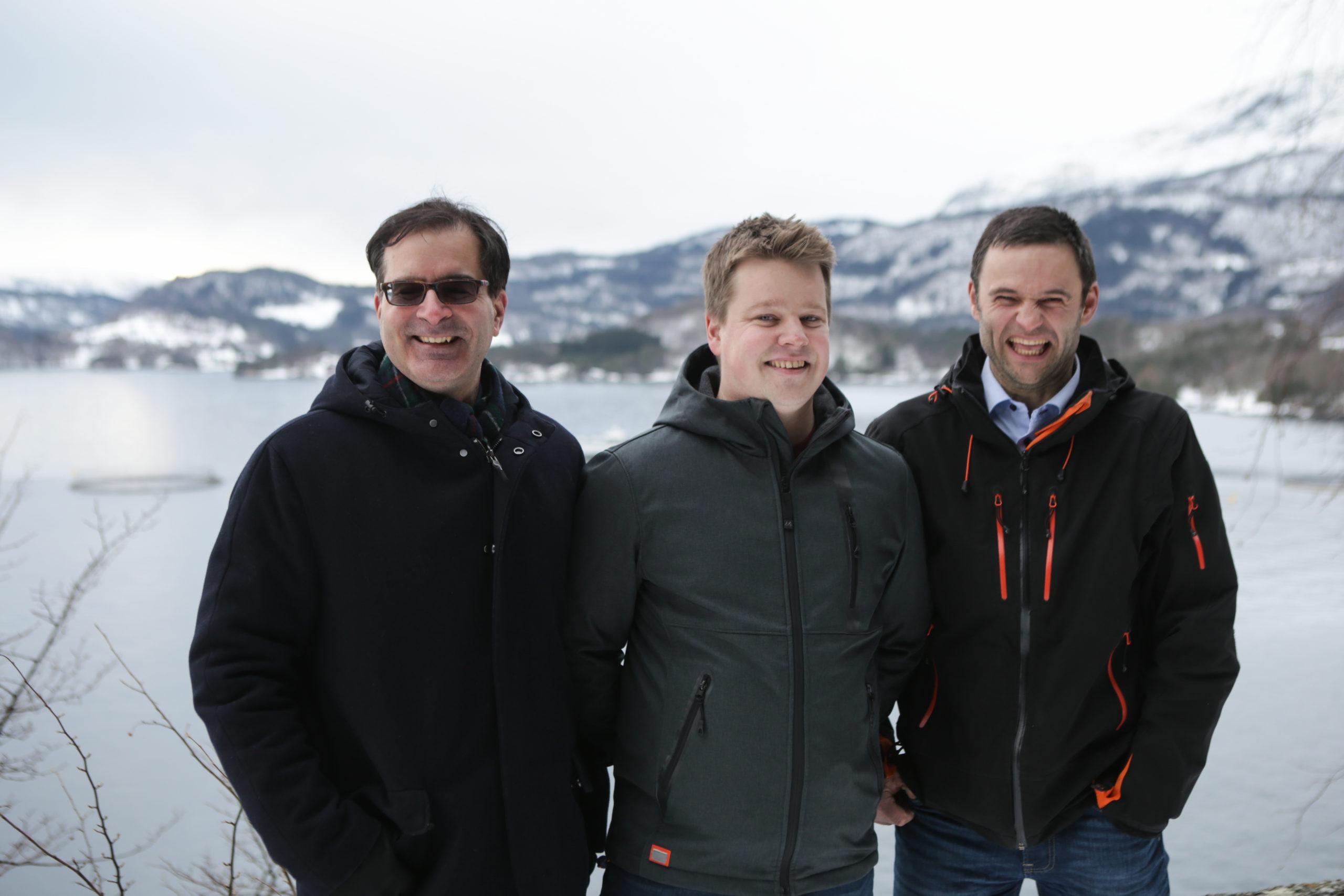 Karim Kurmaly (Administrerende direktør i Veramaris), Mads Martinsen (Skretting), Erlend Haugarvoll (Administrerende direktør Lingalaks). Foto: © Veramaris.