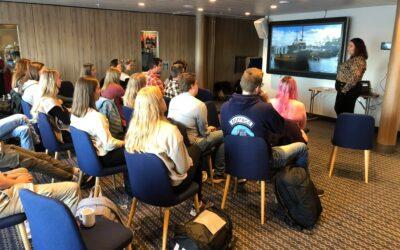 Sjømatbedriftene på ekskursjon til Rørvik med studenter fra NTNU